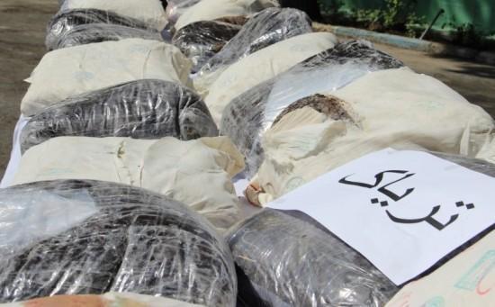 فرمانده انتظامی شهرستان خواف از کشف 20 کیلو گرم مواد مخدر در ورودی خواف خبرداد.