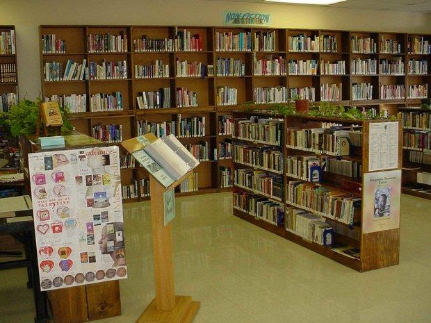 مدیر کل کتابخانههای عمومی خراسان رضوی: شهر نشتیفان خواف کتابخانه ندارد.