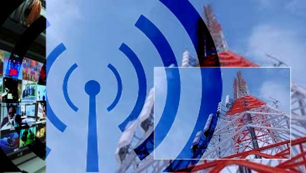 بهره برداری از ایستگاه گیرنده شبکه های رادیویی خواف در دهه فجر امسال