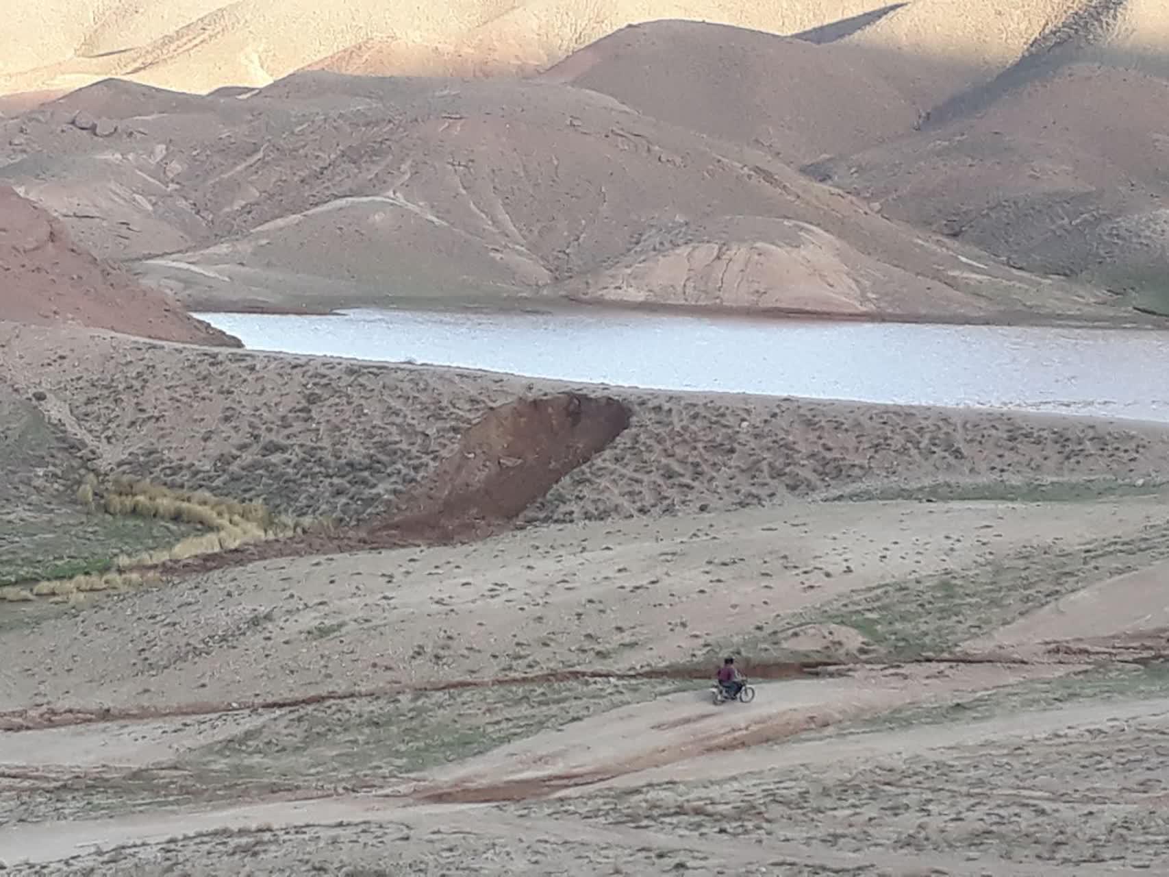 خطر شکستن بند خاکی روستای خواجه ورآب