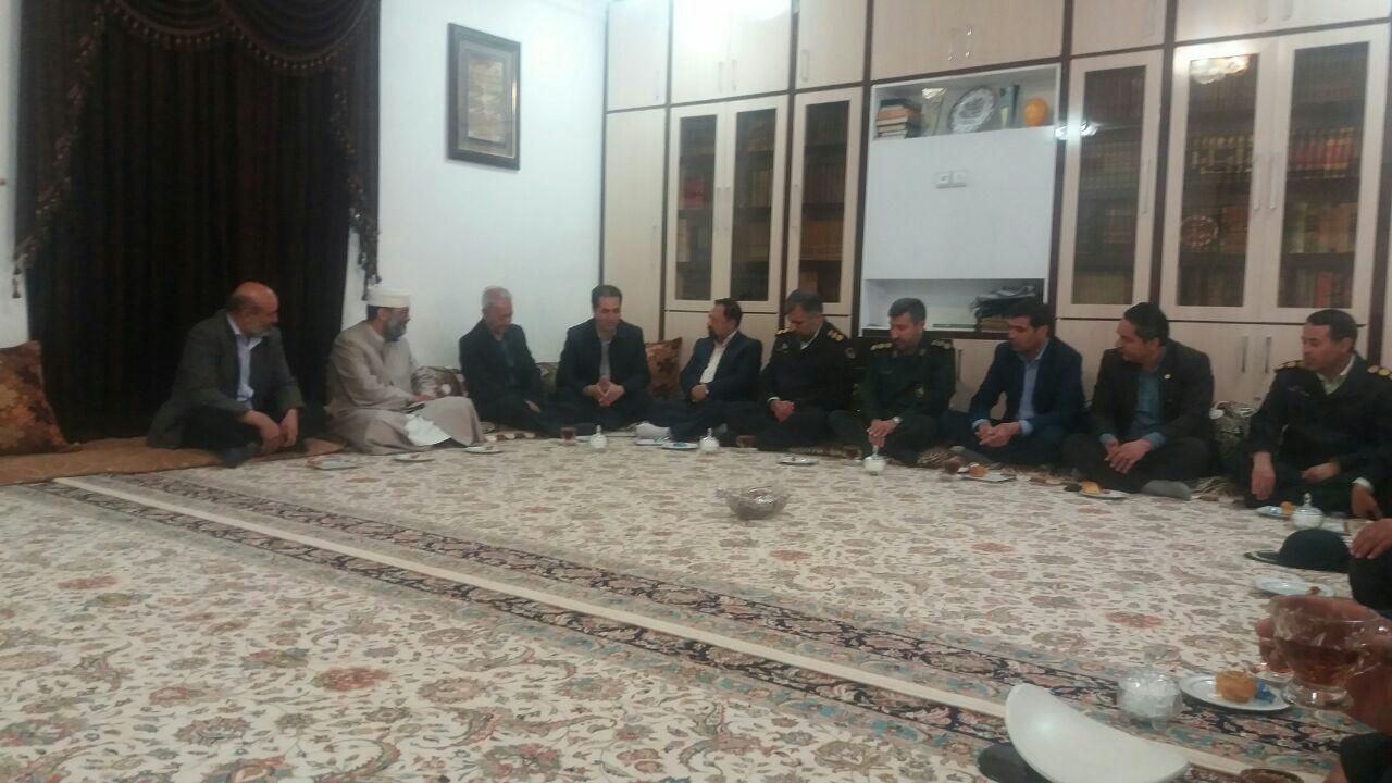 دیدار اعضای ستاد اجرایی خدمات نوروزی با امام جمعه اهل سنت خواف