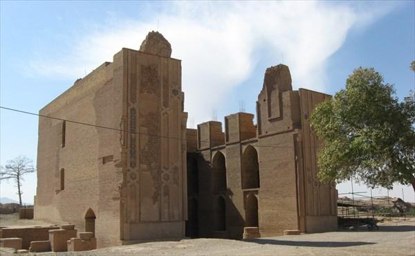 ساختوساز تا حریم ۳ کیلومتری مسجد و شهر تاریخی زوزن ممنوع