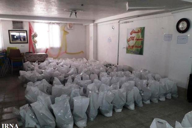 اداره بهزیستی خواف ۳۲۰ بسته غذایی بین نیازمندان توزیع کرد