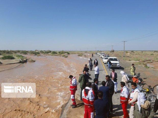 سیلاب یک راه روستایی در خواف را بست