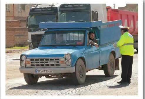 منع تردد خودروها توسط پلیس راه خواف در روز 13 فروردین