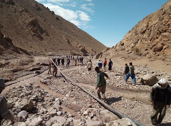 مرمت خط انتقال آب روستای زرداب خواف