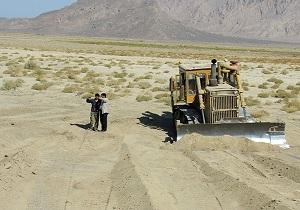 اجرای خط کشی و تسطیح بستر رودخانه درشهرستان خواف