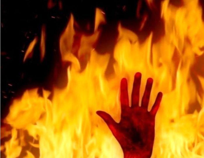 نوجوان ۱۳ ساله  بهدادینی  از میان شعلههای آتش نجات یافت.