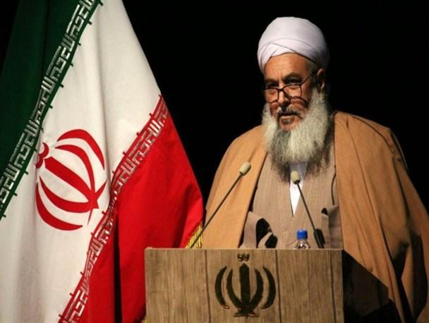 رئیس حوزه علمیه احناف خواف: امنیت و پیروزی نظام اسلامی نتیجه وحدت و شهادت است